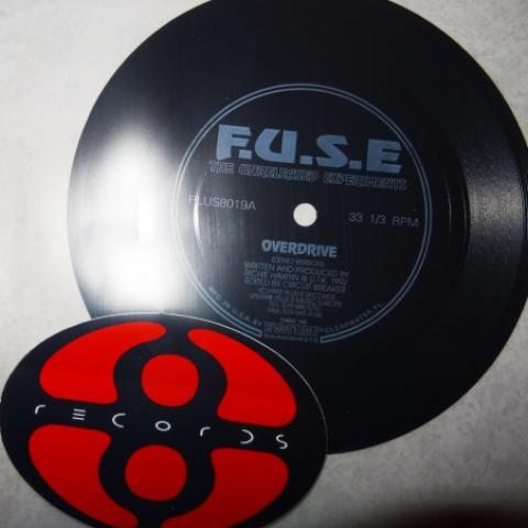 F.U.S.E - The Unreleased Experiments Flexidisc und Aufkleber